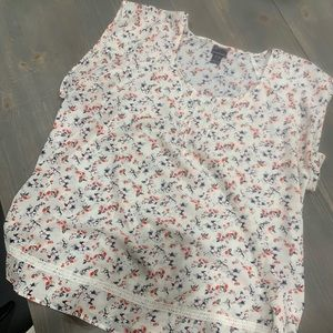 Short sleeve floral maternity top with sash